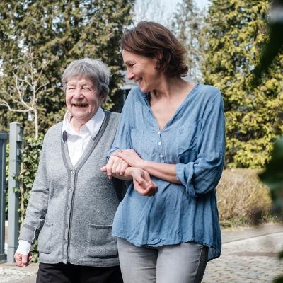 Baluchon Alzheimer, une alternative innovante de court séjour à domicile
